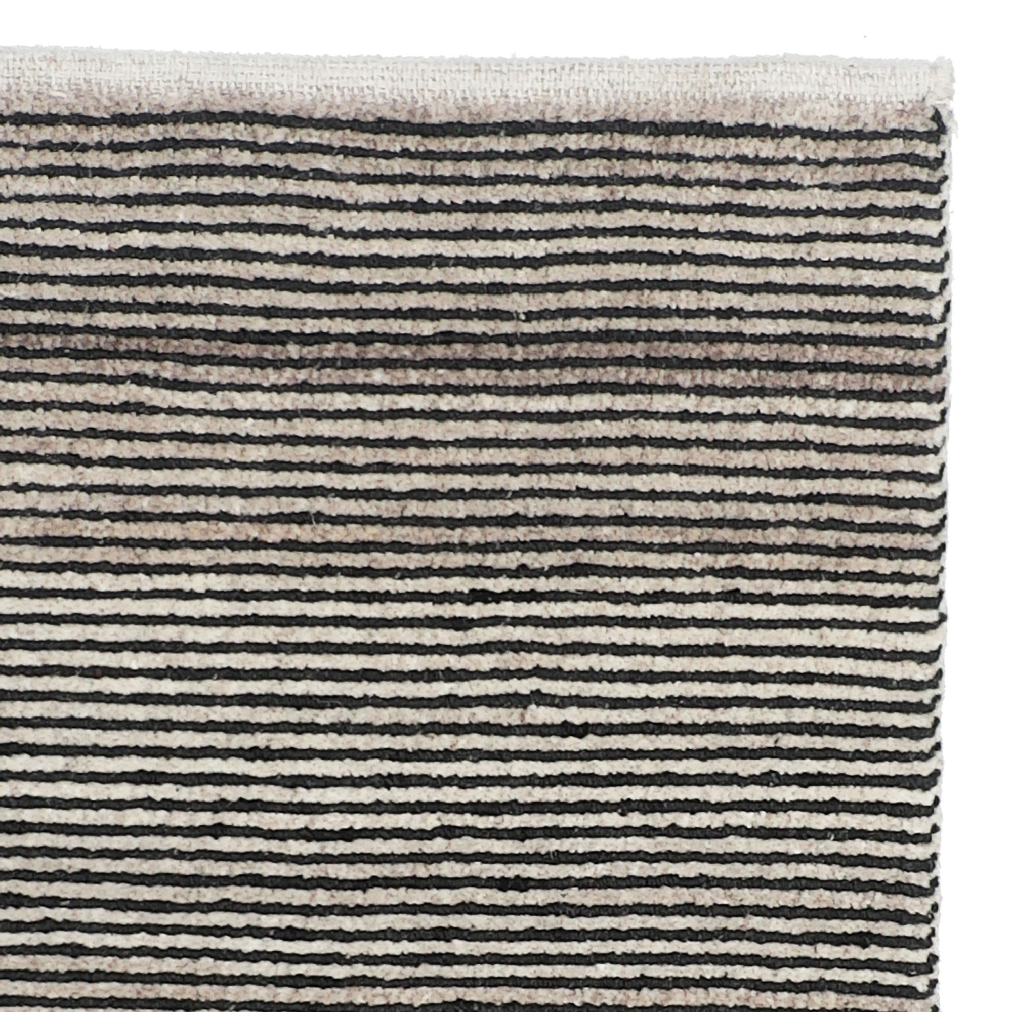 Boheme-charcoal-200x300_corner
