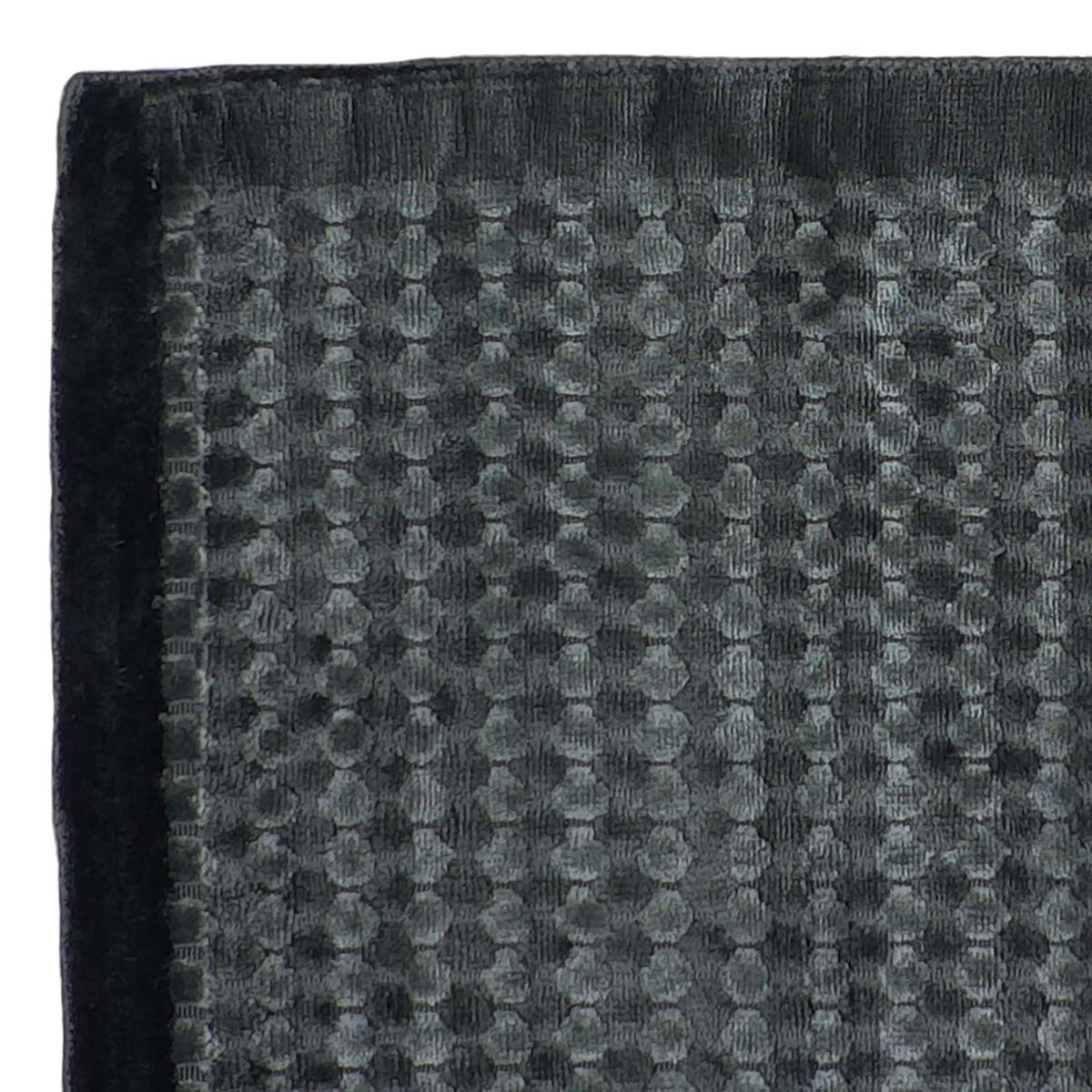 STARDS1_LuxeSpotted_Charcoal_160x230-corner