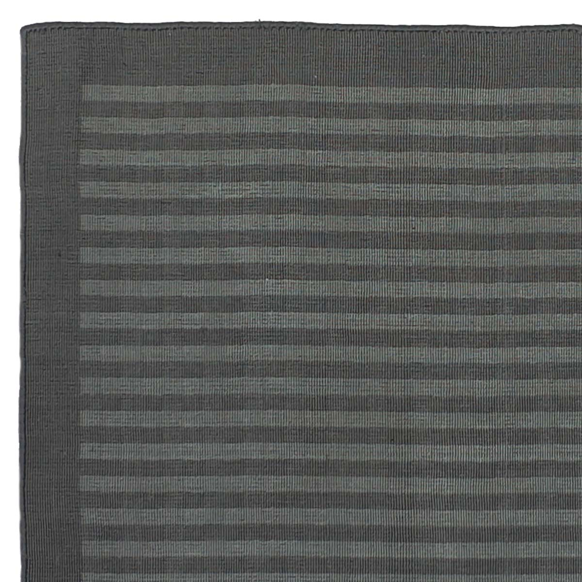 STARDS1_LuxeSpotted_Charcoal_160x230-underside