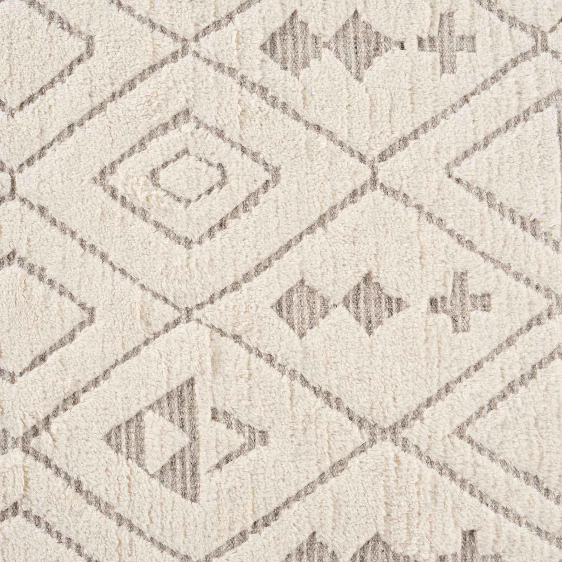 Sahara-Diamond-Ivory-Taupe_close-up