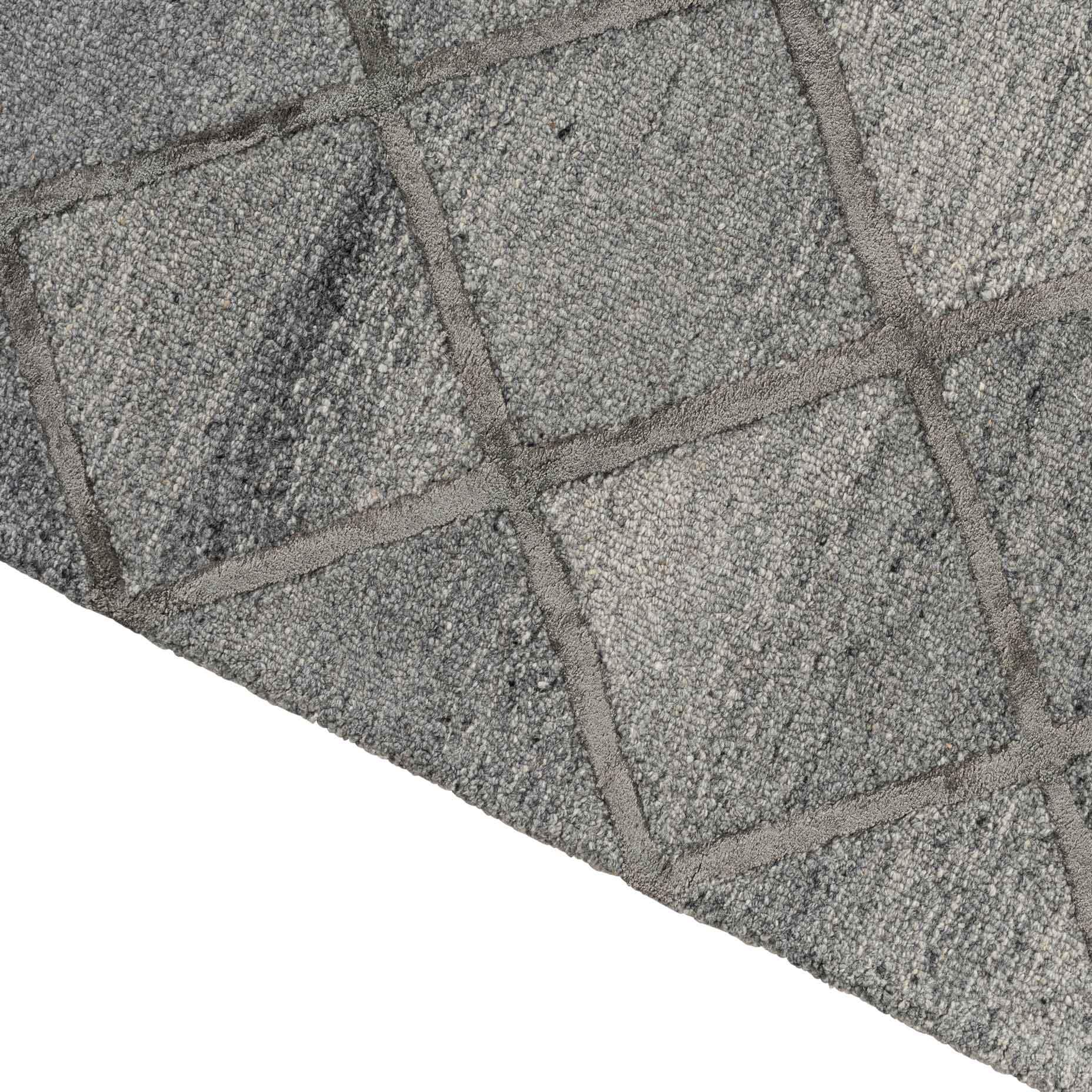 Shimmer–Diamond-Charcoal_edge