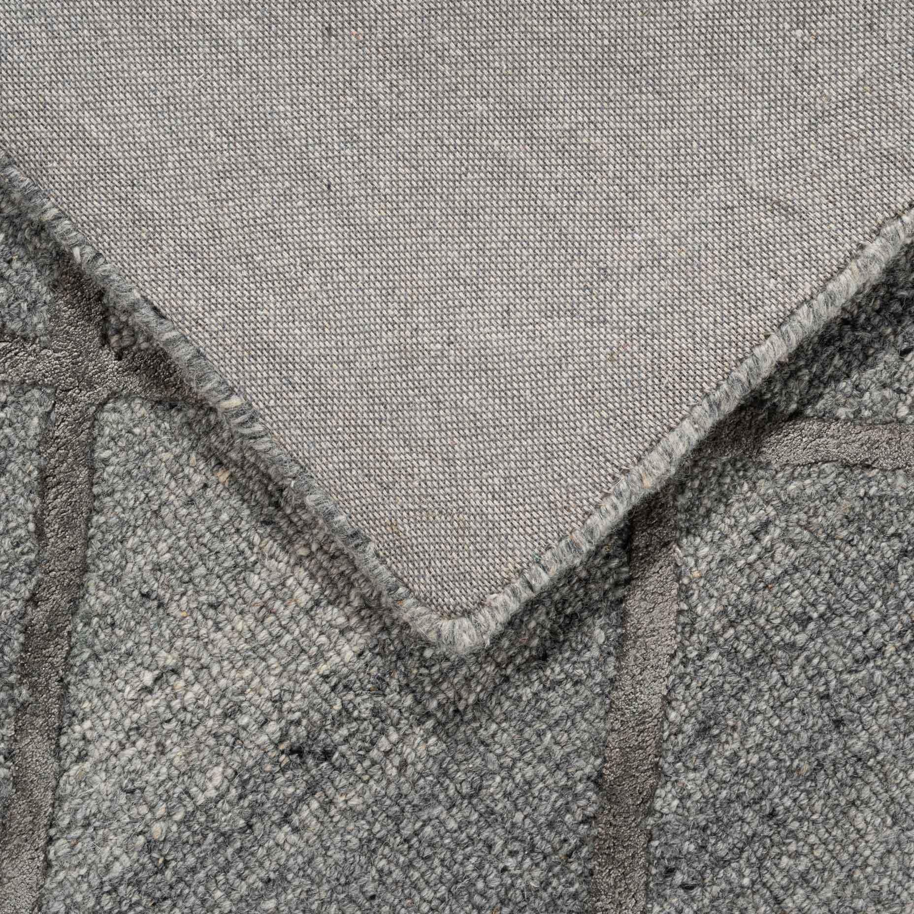 Shimmer–Diamond-Charcoal_foldback
