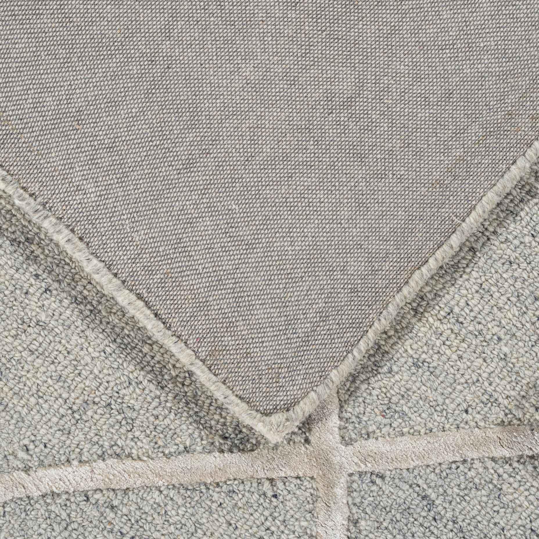 Shimmer-Diamond-Grey_fold-back