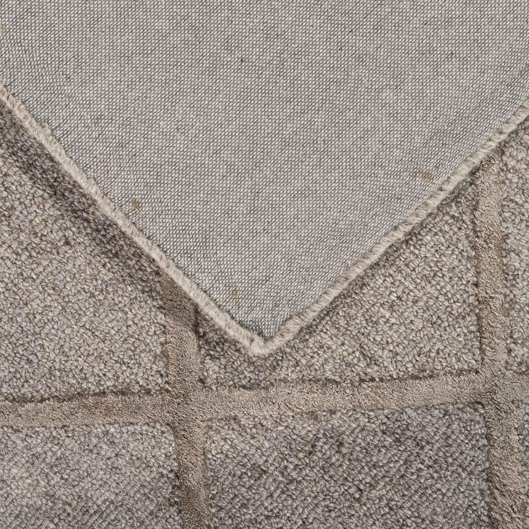 Shimmer-Diamond-Taupe_foldback