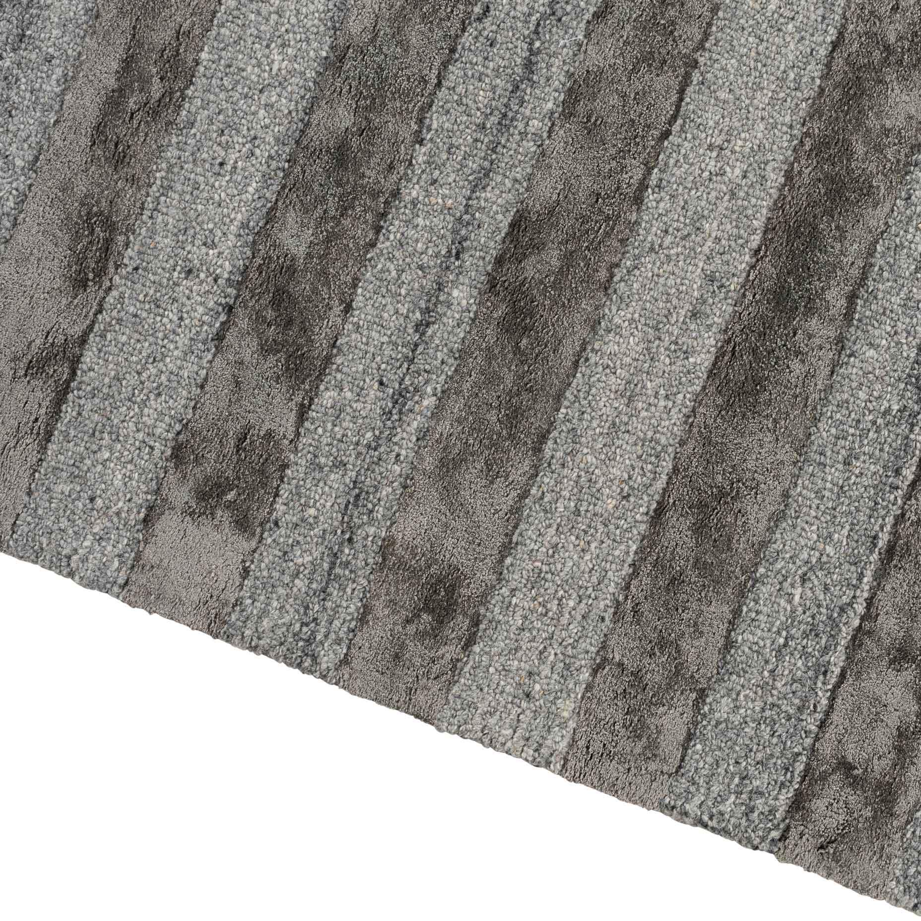 Shimmer-Lines-Charccoal_edge