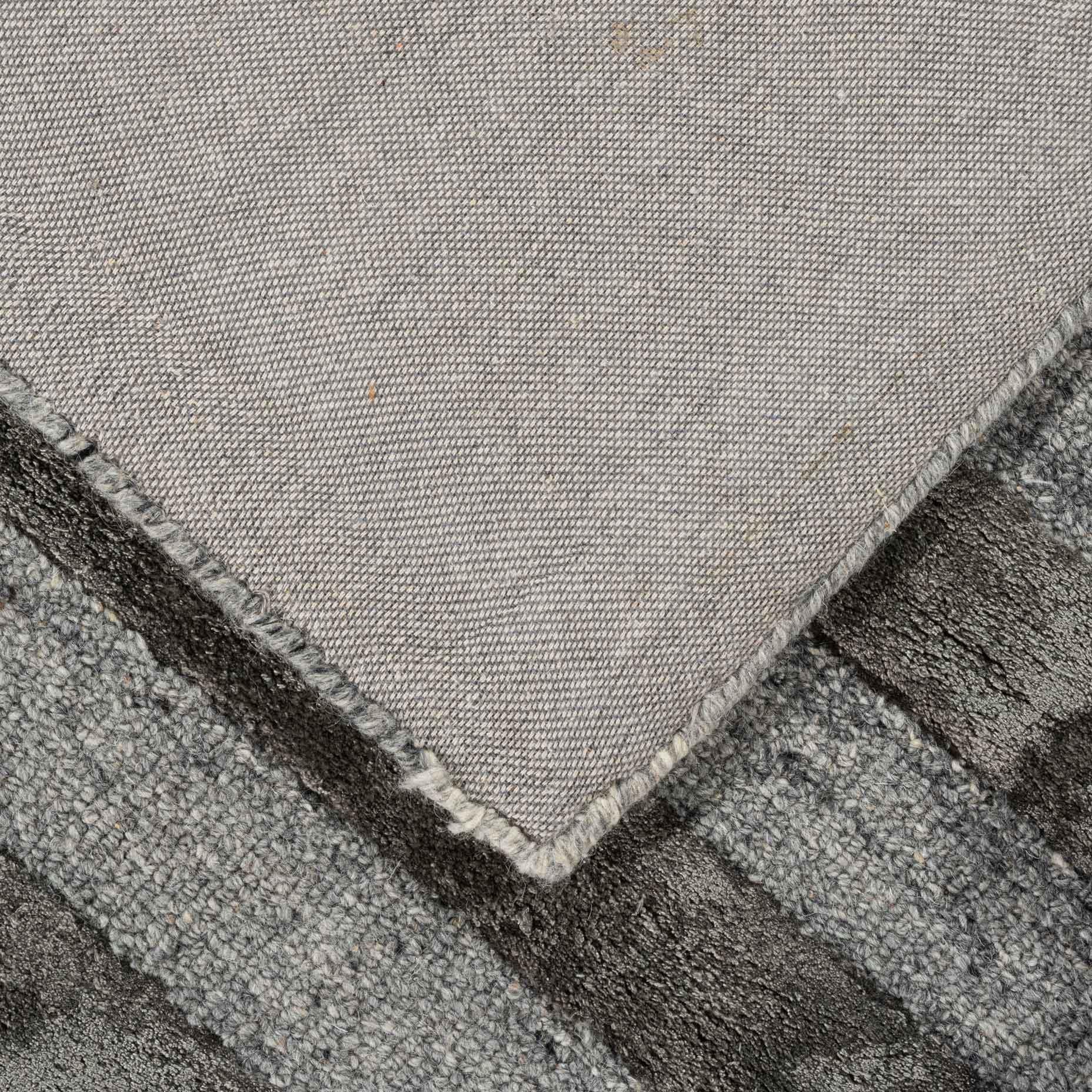 Shimmer-Lines-Charcoal_foldback