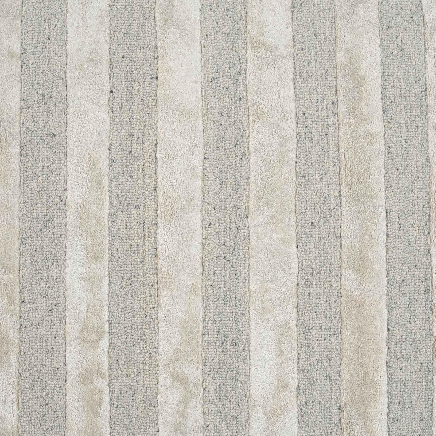 Shimmer-Lines-Grey_close-up