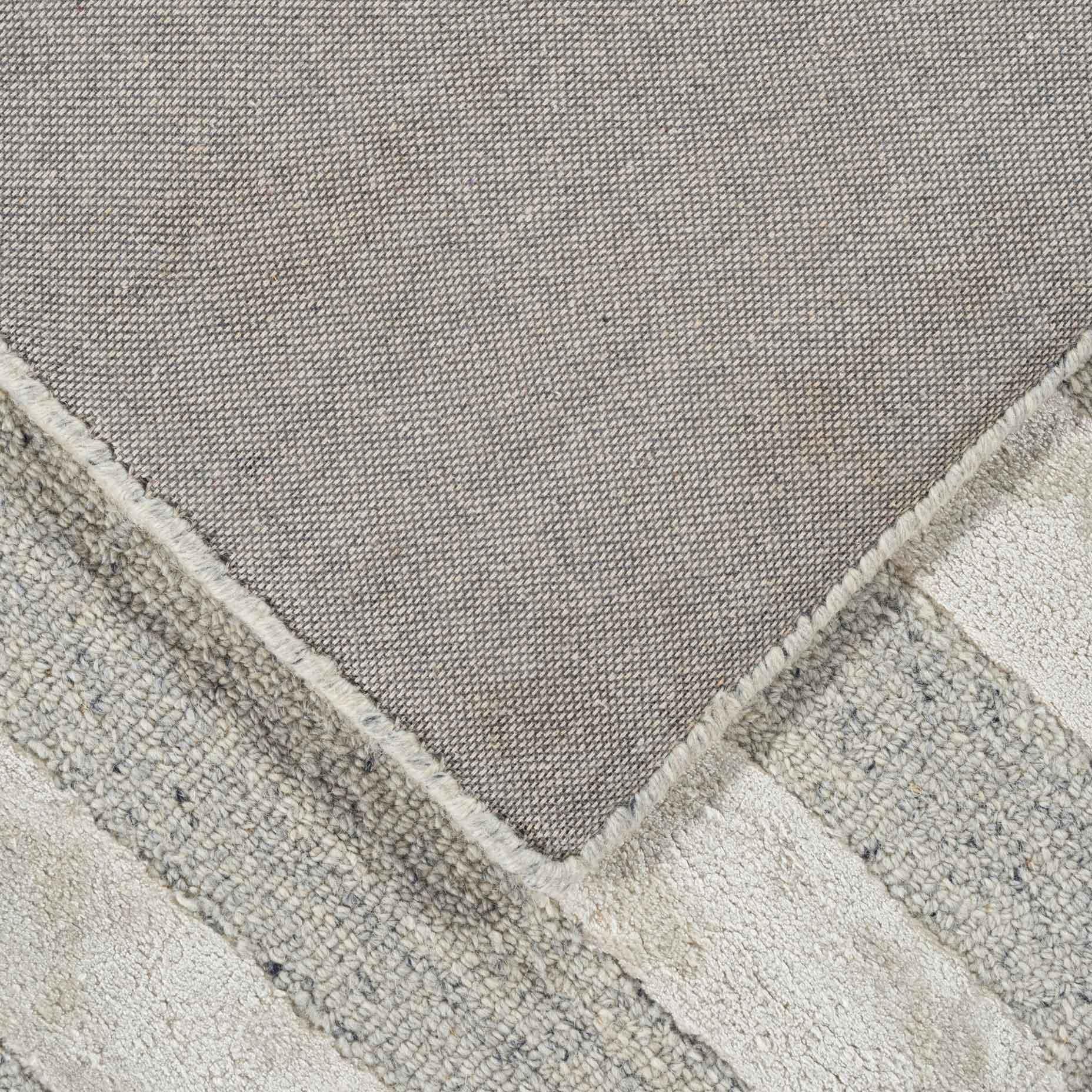 Shimmer-Lines-Grey_foldback