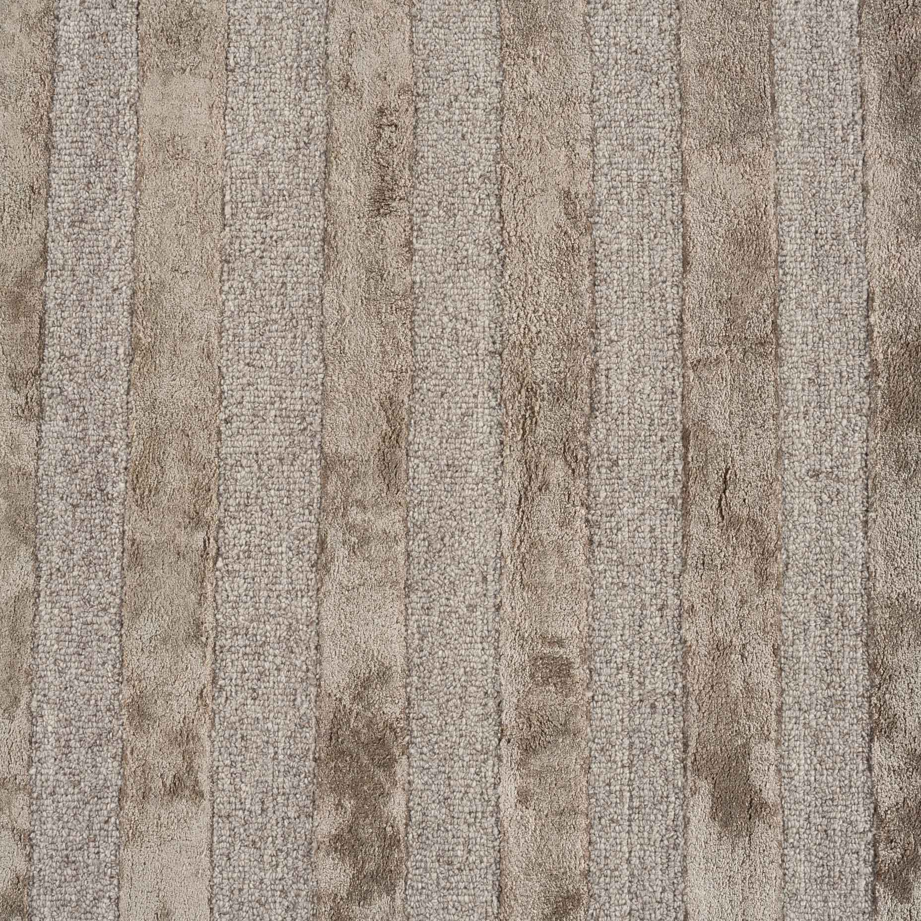 Shimmer-Lines-Taupe_close-up